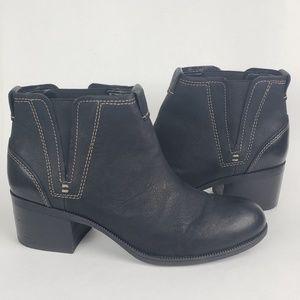 Clarks Artisan Boots Size 9 Black Booties Heel